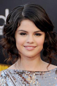 The Complete Beauty Evolution of Selena Gomez | Teen Vogue November 2009