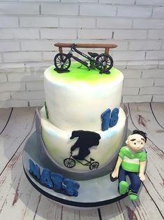 Bmx cake. Fondant Cake for Bmx lover
