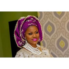 Photography by @dreamlightz_photography makeup by @zainabazeez event planned by @perfectbeesevents1 #instabride #photography #purplegele #like4like #instalove