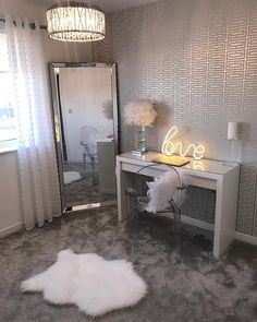 20 Best Makeup Vanities & Cases for Stylish Bedroom 20 Best Makeup Vanities & Cases for Stylish Bedroom Dream House–Home Decor, Furniture & Household Items Room Ideas Bedroom, Home Bedroom, Bedroom Themes, Bedroom Inspo, Bedroom Ideas For Small Rooms, Master Bedroom, Guest Bedrooms, Teen Bedroom, Bedroom Apartment