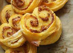 Mini-palmiery z suszonymi pomidorami. 20 Min, Onion Rings, Sausage, Garlic, Favorite Recipes, Meat, Vegetables, Ethnic Recipes, Parmezan