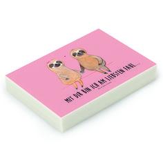 Radiergummi Faultier Pärchen aus Natur Kautschuk   weiß - Das Original von Mr. & Mrs. Panda.  Die einzigartigen Radiergummis von Mr. & Mrs. Panda sind wirklich sehr besonders - sie werden komplett in deutschland gefertigt und von uns in der Manufaktur liebevoll bedruckt. Die Größe beträgt 46 mm x 33 mm und es handelt sich um ein hochwertiges, deutsches Markenprodukt.    Über unser Motiv Faultier Pärchen  Was gibt es bitte cooleres, als ein Faultier? Mr. & Mrs. Panda war daher klar: eine…