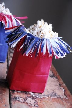 Great ideas love the popcorn bag! Last minute 4th of July ideas - BrassyApple.com
