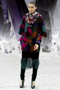 Chanel Fall 2012 Ready-to-Wear Fashion Show - Liu Wen (Elite)