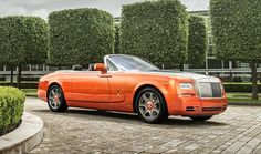 Rolls-Royce unveils Phantom Drophead Coupe Beverly Hills Edition. Do you think this Rolls is to loud or just right?
