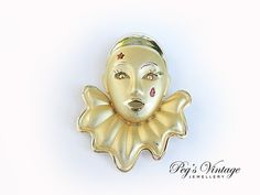 VINTAGE Clown Mask Brooch//Pin Gold tone by PegsVintageJewellery