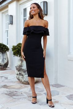 Babes who are all for refining their after-dark edits should definitely add the Give Into The Fire Midi Dress. It offers all the musts for an immediate impact. It hugs your killer curves in all the right ways, features a tiered ruffle off-the-shoulder neckline and a split vent to the skirt hem to allow ease of movement. Want that full-on glam factor? Style with crystal or metallic heels, sun-kissed ways and dewy makeup. #hellomolly #fashion #black #offtheshoulder #bodycon #bodycondress Dewy Makeup, Ladies Fashion, Womens Fashion, Into The Fire, Metallic Heels, Black Midi Dress, Sun Kissed, After Dark, Fashion Black