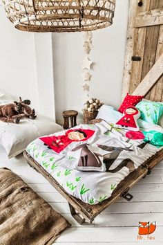 little red riding hood bedroom, how gorgeous! Love the mix of rustic and graphic.  #estella #kids #decor