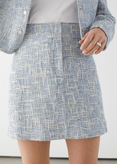 Tailored High Waisted Tweed Mini Skirt - Light Grey - Mini skirts - & Other Stories Office Outfits Women Casual, Summer Business Casual Outfits, Casual Fall Outfits, Casual Skirts, Classy Outfits, Grey Mini Skirt, Tweed Mini Skirt, Tweed Dress, Mini Skirts