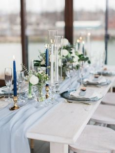 Blue Wedding Flowers soft blue and white table decor with gold accents - That is right we are throwing down the prediction gauntlet, especially after seeing this gorgeous blue and white wedding inspiration! Table Decoration Wedding, Blue Wedding Decorations, Wedding Table Settings, Wedding Centerpieces, Centerpiece Ideas, Centerpiece Flowers, Gold Table Decor, Setting Table, Flower Arrangements