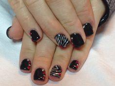Black zebra nails  Les ongles de Chloé