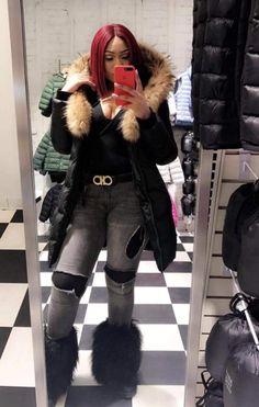 Long Puffer Coat, Fur Boots, Fur Collars, Winter Coat, Fashion Styles, Baddies, Canada Goose Jackets, Scarves, Winter Jackets