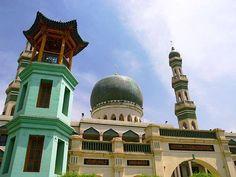 مسجد جراند دونغقوان، مقاطعة تشينغهاي، الصين. Masjid in Dongguan, China.