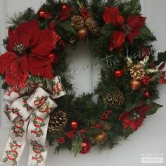 Red Poinsettia Wreath, Christmas Poinsettia Wreath, Pinecone Wreath, Poinsettia Wreath, Red Shatterp Xmas Decorations To Make, Country Christmas Decorations, Christmas Door Wreaths, Pine Cone Decorations, Christmas Centerpieces, Holiday Wreaths, Poinsettia Wreath, Christmas Poinsettia, Christmas Crafts