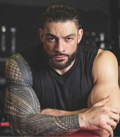 Roman Reigns on cover of Muscle and Fitness Magazine 💪🏾 Roman Reigns Logo, Roman Reigns Smile, Roman Reigns Gif, Roman Reigns Shirtless, Roman Regins, Roman Gods, Roman Art, Roman Reigns Dean Ambrose, Wwe Superstar Roman Reigns