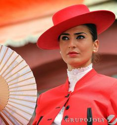 Saturday at Sevilla's annual April's Fair, which lasts one whole week. Spanish Dancer, Spanish Woman, Spanish Style, Flamenco Wedding, Tio Pepe, Freida Pinto, Shady Lady, Great Women, Folk Costume