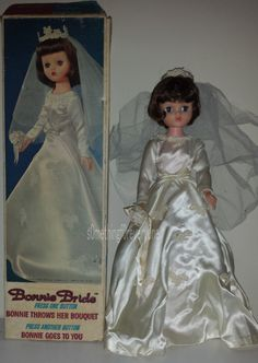 Vintage Bonnie Bride Doll Deluxe Reading 1964 with Box Z