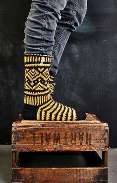 Wool Socks, Knitting Socks, Fun Projects, Leg Warmers, Mittens, Knit Crochet, Knitting Patterns, Photo Wall, Arts And Crafts