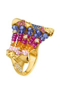 The Chameleon ring by Chow Tai Fook - in 18 yellow gold with rubies, diamonds, tanzanites, garnets and tourmalines.