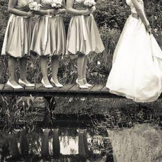 bruidsmeisjes, zwart-wit bruidsfoto