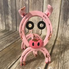 So I thought to myself could our pig design get any cuter?!?! Then it hit me !! Whats cuter than a little pink pig? .... one playing in the mud of course!!!! #horseshoeart #rustic #horseshoe #horses #cowboy #cowgirl #country #metal #metalart #tudorscreations #welding #welder #mig #hobart #hobartwelding #hobartwelder #MadeinKY #metalwork #madeintheusa #jeremiah2911 #art #weldinglife #homedecor #weldlife #pig #mud #cute #muddypig #piggy #piggie