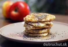 Fotorecept: Sladké ryžovo-jablkové placky s chia semienkami Pancakes, Breakfast, Food, Basket, Morning Coffee, Essen, Pancake, Meals, Yemek