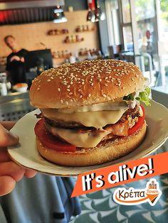 Ένα Double Burger Bacon θα σε κρατήσει...στα πόδια σου όλη μέρα!🍔  ☎️ 2310.632180 💻 www.krepatown.gr 📍 Μιχαήλ Καραολή 20, Συκιές  #krepatown #Συκιές #Νεάπολη #Πολίχνη #yummy #delicious #burger #burgers #burgertime