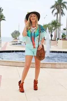 look_do_dia_moda_fashion_cade_meu_blush_fato_basico_love_lee_acessorios_anos_70_blusa_ampla_verde_menta_shorts_bota_boho_estilo_rochelle_lunkes_producao_de _moda 6