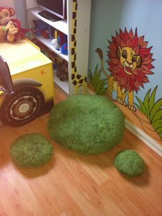 Grass bean bag cushions for jungle / garden bedroom  disney themed room Hand painted murals and childrens bedroom DIY