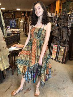 Mogul Interior Skye Women Halter Sundress Printed Handkercheif Hem Recycled Silk Sari Holiday Beach Dress S/M Sari Dress, Boho Dress, City Chic, Halter Sundress, Halter Neck, Halter Dresses, Bohemian Mode, Bohemian Clothing, Böhmisches Outfit