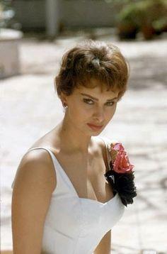 Sophia Loren by Earl Leaf