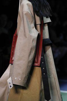 Celine Fall 2016 Ready-to-Wear Fashion Show Fashion Week, High Fashion, Fashion Show, Fashion Outfits, Celine, Yohji Yamamoto, Fashion Gone Rouge, Fashion Corner, Mode Style