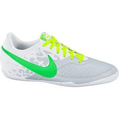 Sepatu Futsal Nike Elastico II 580454-037 yang dirancang untuk memberikan stabilitas dalam menggiring bola dalam bermain secara tim. Sepatu ini diskon 20% dari harga Rp 699.000 menjadi Rp 579.000.