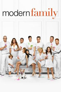 Created by Steven Levitan, Christopher Lloyd. With Ed O'Neill, Sofía Vergara, Julie Bowen, Ty Burrell. Three different but related families face trials and tribulations in their own uniquely comedic ways. Julie Bowen, Sofia Vergara, Serie Modern Family, Family Tv Series, Modern Family Season 1, Ed O Neill, Phil Dunphy, Ellie Kemper, True Detective