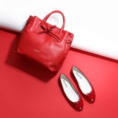 From Repetto, with Love  Especially for her, the new Arabesque bag and the iconic Cendrillon ballerina are introduced in bright red. #Repetto #SaintValentin #stvalentinesday #RepettoArabesque #RepettoCendrillon #RepettoShoes #Red