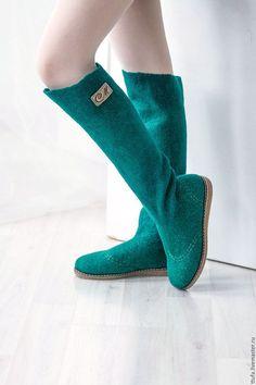 Обувь ручной работы. Ярмарка Мастеров - ручная работа. Купить Валенки-сапожки Felt Boots, Wool Shoes, Funky Shoes, Felted Slippers, How To Make Shoes, Leg Warmers, Wool Felt, Shoe Boots, Footwear