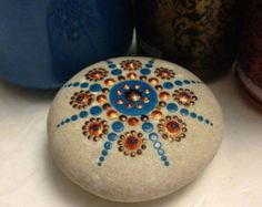 Items op Etsy die op Black and White Dot Painted Stone, Original Hand Painted Rock Art, Mandala Stone, Nature Art lijken