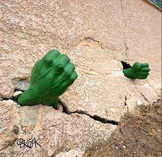 Street Art by Oakoak - Hulk 3d Street Art, Street Art Graffiti, Street Artists, Photomontage, Urbane Kunst, Street Installation, Graffiti Cartoons, French Street, Pop Surrealism