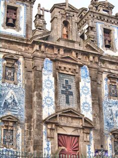 72 Hours in Porto - via Travel and Lust 04.01.2015 | The Capital of Culture in 2001 has a panoply of spectacular architecture to discover. From grand cathedrals to modern gems alike. Photo: Church of Saint Ildefonso (Santo Ildefonso Paróquia do Port) in all its splendour.
