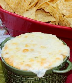 Roasted corn dip with bacon!! Awesome #dips #appetizers #bacon