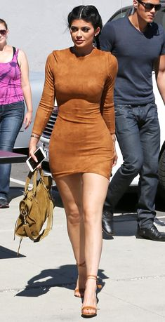 19 pieces you need to dress like Kylie Jenner - faux suede mini dress Kris Jenner, Kylie Jenner Body, Trajes Kylie Jenner, Kylie Jenner Outfits, Kendall And Kylie Jenner, Robert Kardashian, Khloe Kardashian, Kardashian Kollection, Teen Choice Awards