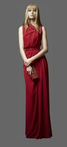 (sheesh, this woman should smile wearing such a great dress! darn models) ELIE SAAB - Ready-to-Wear - PreFall 2012 Fashion Moda, Red Fashion, Elie Saab, Beautiful Gowns, Beautiful Outfits, Elegant Dresses, Nice Dresses, Moda Paris, Look Chic