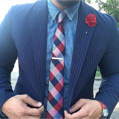 @thedapper1ne in @mosaicmenswear for #TieTuesday.
