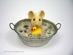 Little Bath Tub Mouse