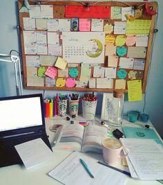 Ideas dorm room desk organization tips Study Areas, Study Space, Desk Areas, Desk Space, Uni Room, Dorm Room, Study Desk Organization, Cork Board Organization, College Organization