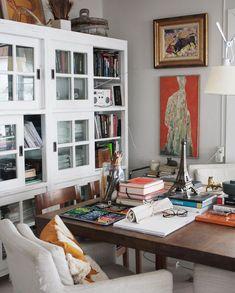 """Country Home & Art Posters on Instagram: """"Livingroom corner, an everchanging stockpile of books and whatnot. Jää nähtäväksi kuinka korkee pino kirjoja ja kaikkea ajankohtaista…"""" Picture Blog, Picture Design, Bookcase, Black And White, Living Room, Pillows, Interior, Inspiration, Furniture"""