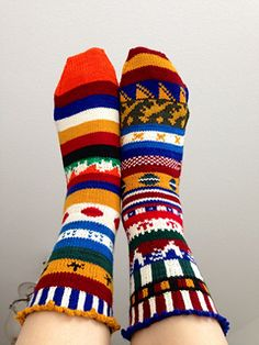 Ravelry World Cup 2014 Sock Pattern. Click on link for free pattern. http://www.ravelry.com/patterns/library/world-cup-2014-sock-recipe