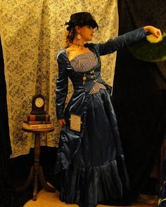 Steampunk Tardis dress- Simplicity 2172 again.