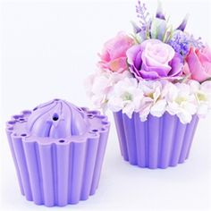 cool item to have to make this floral cupcake!