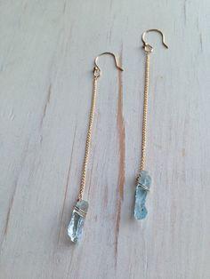 Raw Aquamarine Earrings Raw Aquamarine Jewelry Raw Gemstone Jewelry - new season bijouterie Raw Gemstone Jewelry, Wire Jewelry, Antique Jewelry, Jewelery, Vintage Jewelry, Jewelry Armoire, Jewelry Box, Gold Jewelry, Raw Crystal Jewelry